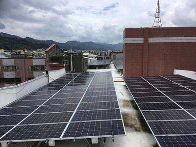 中市校園太陽光電聯合標租 節能減碳並回饋校務基金