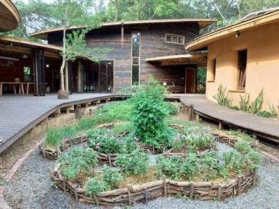 鑽石級低碳認證 后里森林園區「四口之家」永續自然