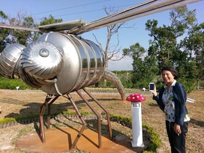 外埔環保生態公園啟用 太陽能蓄電「巨型蜻蜓」超吸睛